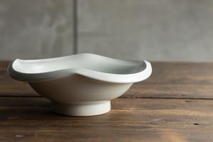 金京徳「白磁やまぼうし鉢」