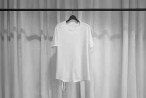 ASKYY / CUT OUT TEE / WHT