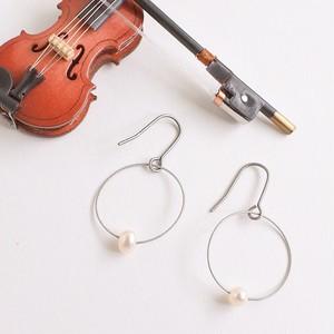 ヴァイオリン、ヴィオラ弦を使った一粒パールピアス  Violin, Viola strings pierces with pearls (Silver)