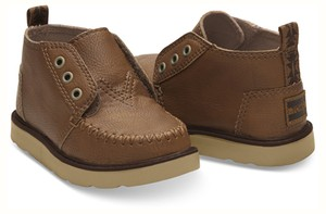 30%OFF !  TOMS BROWN SYNTHETIC LEATHER TOMS TINY CHUKKA BOOTS  トムス キッズ