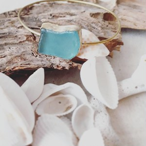 brass bangle -seaglass blue-