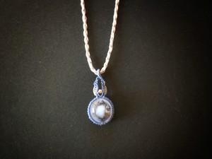 デュモルチェライトインクォーツ macrame necklace