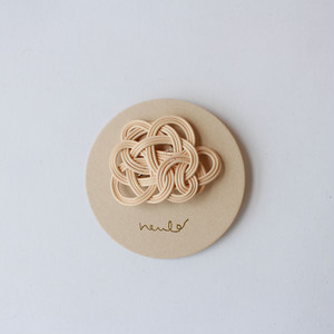 neulo 籐のブローチ ナチュラル
