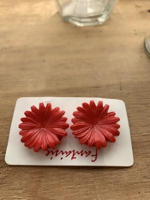 パリ 赤いお花のイヤリング