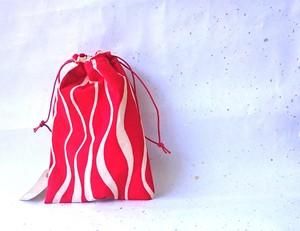 -Red&White Wave-  ビンテージ着物リメイク 紅白縦浪きんちゃく 巾着