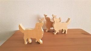 青森ひば香るシンプルな 木のオブジェ 犬と蝶々 ゴールデンレットリバー