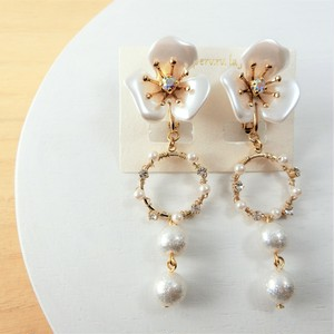 pearl flower Aピアス/イヤリング