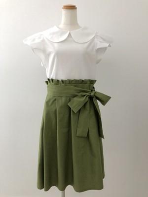 素敵なビジネススタイル。 知的でエレガントなオフホワイト&緑のサイドリボン丸襟ブラウスワンピース 。一点もの うぐいす モスグリーン コットン100% 切替ワンピース 時短 ハイブランド 袖フリル