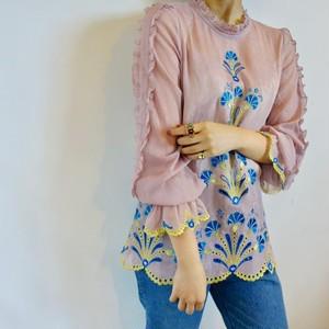 kloset / embroidery blouse