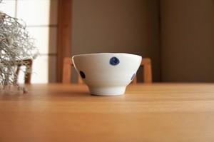 砥部焼/お茶碗/水玉/梅乃瀬窯