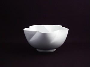 【井上萬二作】白磁花形花器 A