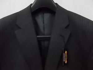 スーツ 新品 グレイエリア メンズ グレー系ストライプ シングル2釦スーツ 総裏 100AB7 ノータック W93 タグ付 しつけ糸付 KK-1