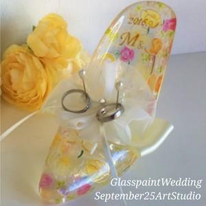 【オリジナルデザイン】 ハイヒールガラスの靴型リングピロー(手描きガラス絵付け)/ウェディングギフト・結婚祝い