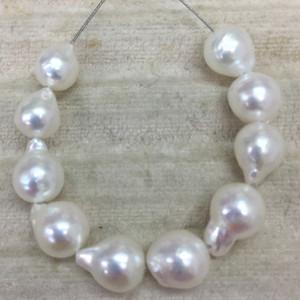 個性的な形の艶々6㎜~7㎜バロック真珠通し連【あこや真珠】ルースren_007-5