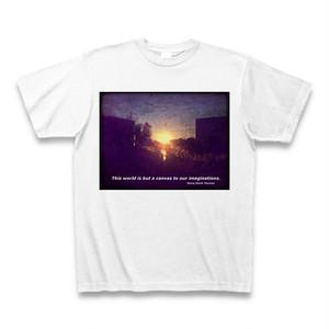 『この世界は、我々の想像力を描くためのキャンバスにすぎない。』Tシャツ (白)