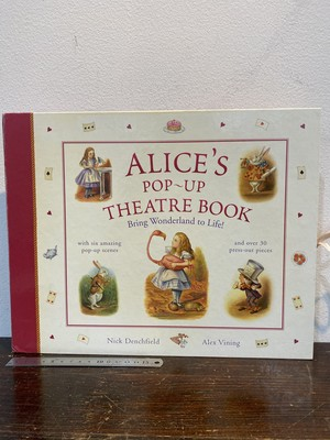 洋書 ALICE'S pop-up  THEATRE BOOK