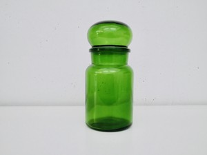 グリーンのガラスジャー・Mサイズ