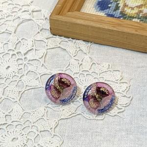 チェコ ガラスボタンのイヤリング・ピアス ピンク×紫・花