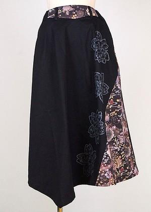 gouk 桜の中に小さな桜をプリントした膝下丈のフレアースカート 黒 GGD28-S049 BK/M