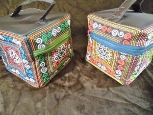 刺繍BOX型小物入れ