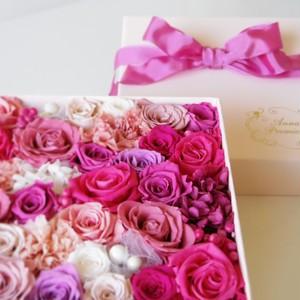 スウィートサプライズ M ストロベリーピンク ボックスフラワー(Box Flower Strawberry Pink M)