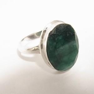 エメラルドの原石のフリーサイズリング 天然石リング のセール通販 5093R