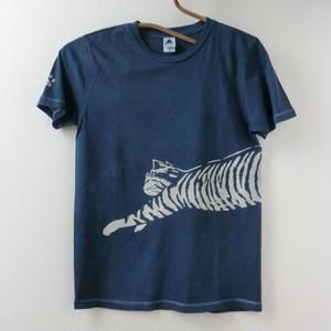 藍染めTシャツ 飛び猫