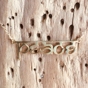 Hindi peace necklace Silver/Gold