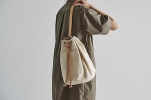 <SALE>white Canvas Duffle bag/small