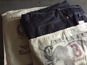 """TENDER Co.""""Type 132 Wide Denim Pants Unbone"""""""