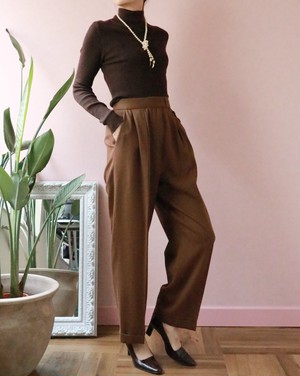 CHANEL brown turtleneck knit