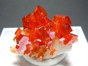 バナジン鉛鉱 - Vanadinite