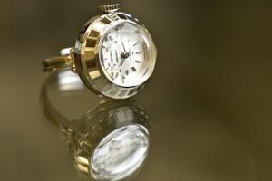 【ビンテージ時計】1976年8月製造 セイコー指輪時計 日本製 当時の定番モデル シルバーカラー