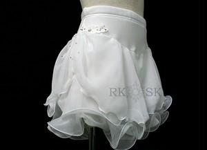 フィギュアスケート 練習用 パンツ付きスカート ホワイト×レースモチーフ  sk0012