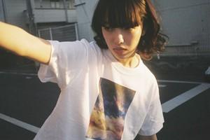 青い夜明け、Tシャツ
