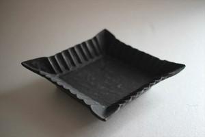 額賀円也|鉄釉菱形小鉢