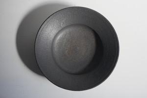 小林耶摩人 7寸リム平鉢 黒釉