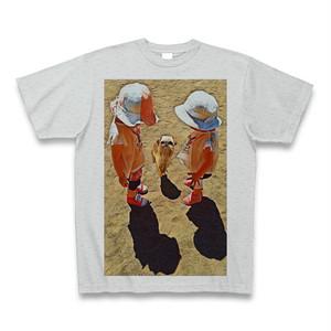 少女と犬(ブリュッセルグリフォン)クルーネックTシャツ グレー