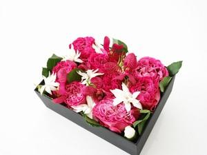 季節の花のフラワーボックス:生花