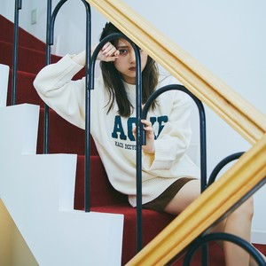front letter sweater PD2345