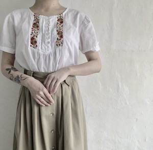 Embroidery tunic cotton blouse.