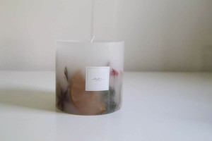 Botanical candle -white-