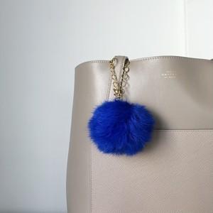 【バッグチャーム】ふわふわラビットファー&スワロフスキーを運ぶバードチャーム(ブルー)