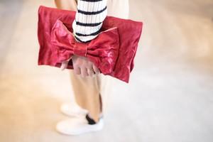 大きいリボンのレザークラッチバッグ『美人百花』掲載作品 レッド