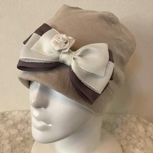 薔薇モチーフとキラキラフリンジリボンのケア帽子 グレー2