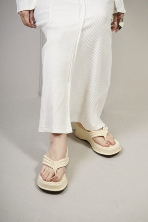 PLAT FORM TONG SANDALS  (WHITE) 2102-33-60