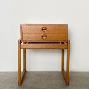 Bedside table with 2 drs / CS062