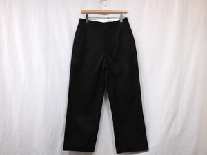 "UNIVERSAL PRODUCTS."" NO TUCK WIDE CHINO TROUSERS BLACK"""