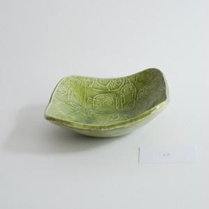 つぐみ製陶所 レリーフ角鉢 インコ 緑B