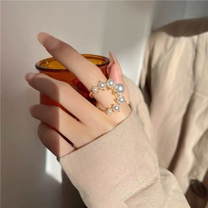 curve pearl ring